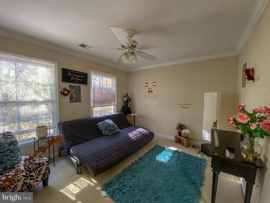 Bedroom #3 that has Jack and Jill Bathroom - 10810 PENINSULA CT, MANASSAS