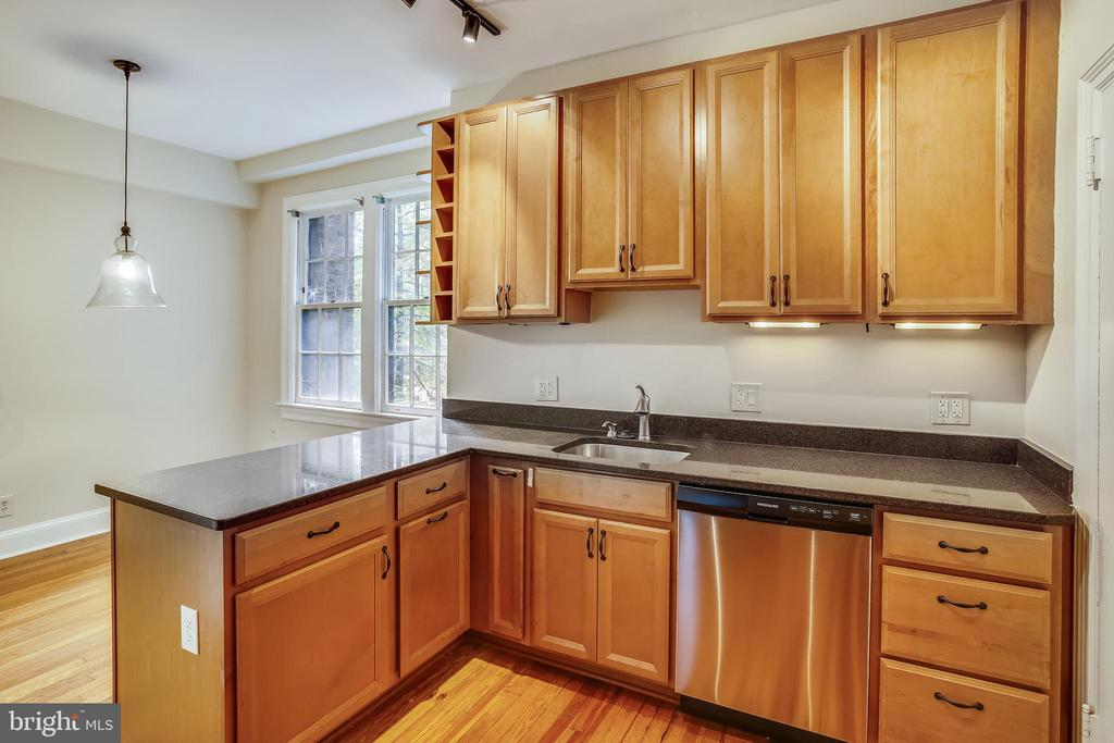 New Stainless Dishwasher - 3900 CONNECTICUT AVE NW #105-F, WASHINGTON