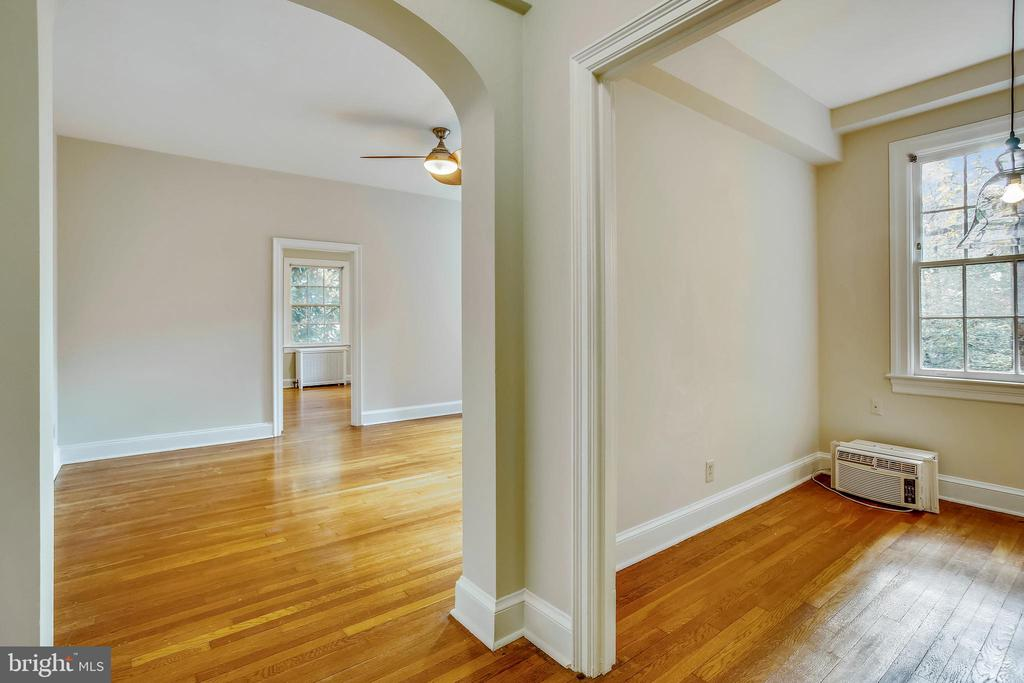 Charming Arched Doorway to Living Room - 3900 CONNECTICUT AVE NW #105-F, WASHINGTON