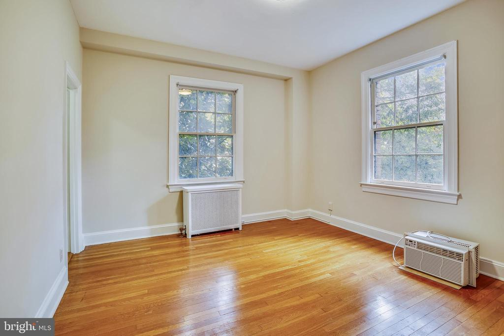 Corner Bedroom - 3900 CONNECTICUT AVE NW #105-F, WASHINGTON