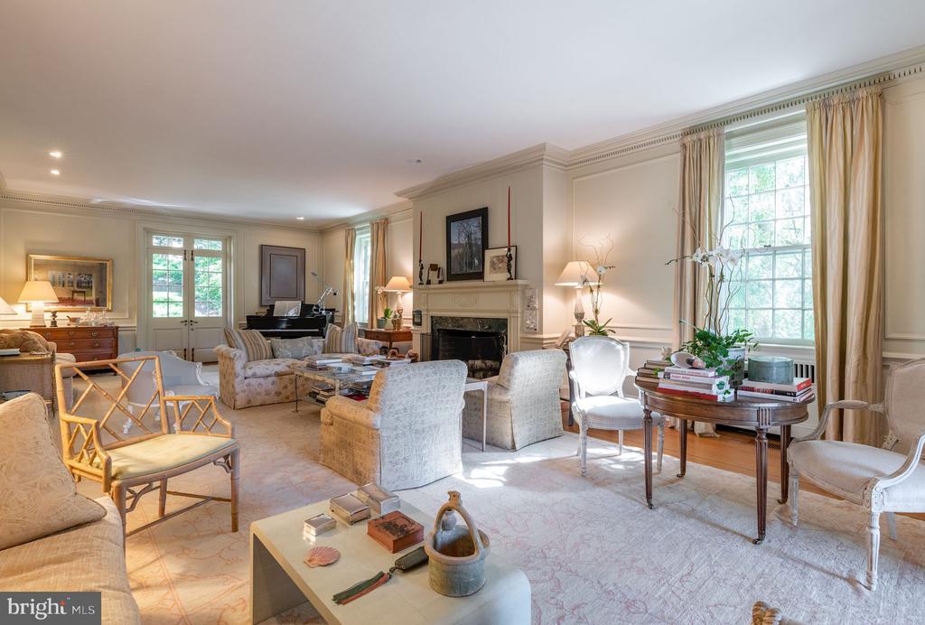Living Room - 2829 WOODLAND DR NW, WASHINGTON