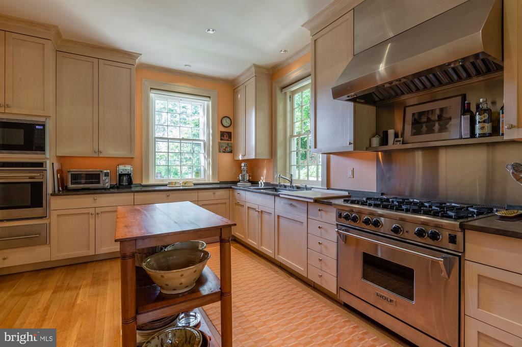 Kitchen - 2829 WOODLAND DR NW, WASHINGTON