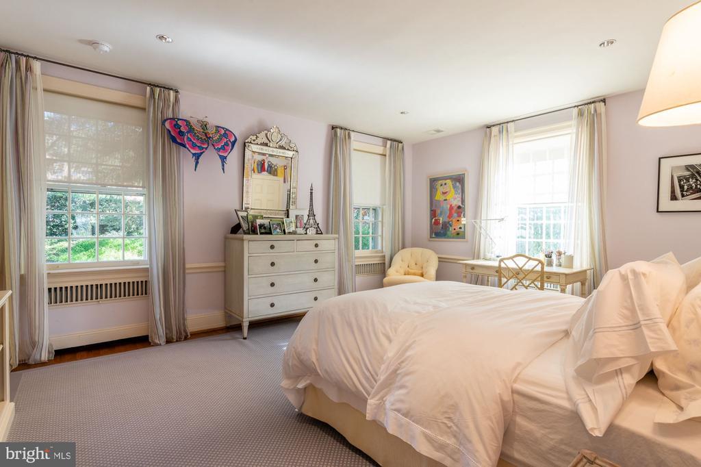 Bedroom 2/Second Floor - 2829 WOODLAND DR NW, WASHINGTON
