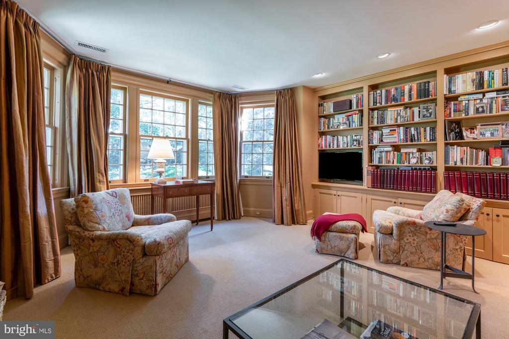 Study/Second Floor - 2829 WOODLAND DR NW, WASHINGTON