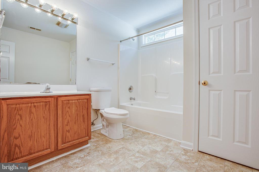 Primary Full Bathroom - 249 7TH ST, COLONIAL BEACH