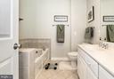 Primary bath - 1322 N DANVILLE ST, ARLINGTON