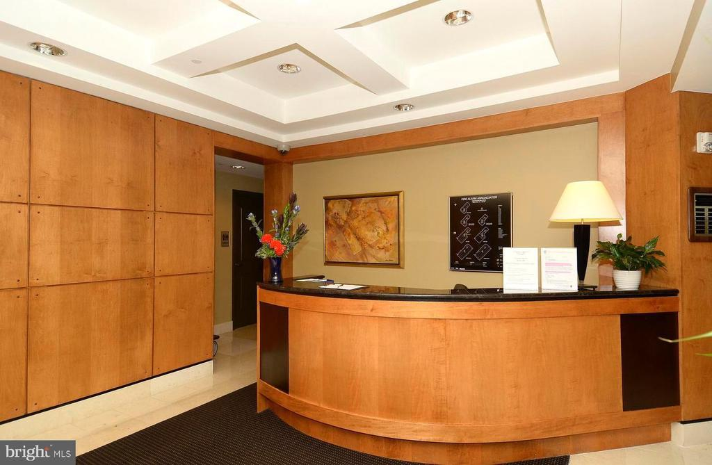 BUILDING FRONT DESK  LOBBY - 1830 FOUNTAIN DR #308, RESTON
