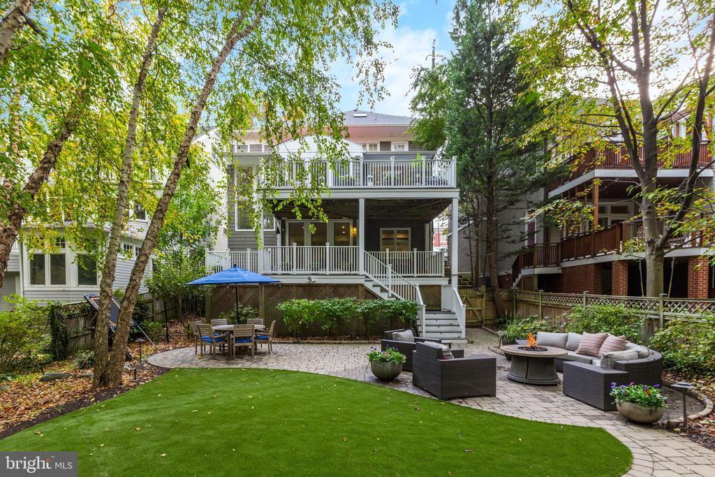 Incredible Backyard Indoor/Outdoor Living - 3307 MACOMB ST NW, WASHINGTON