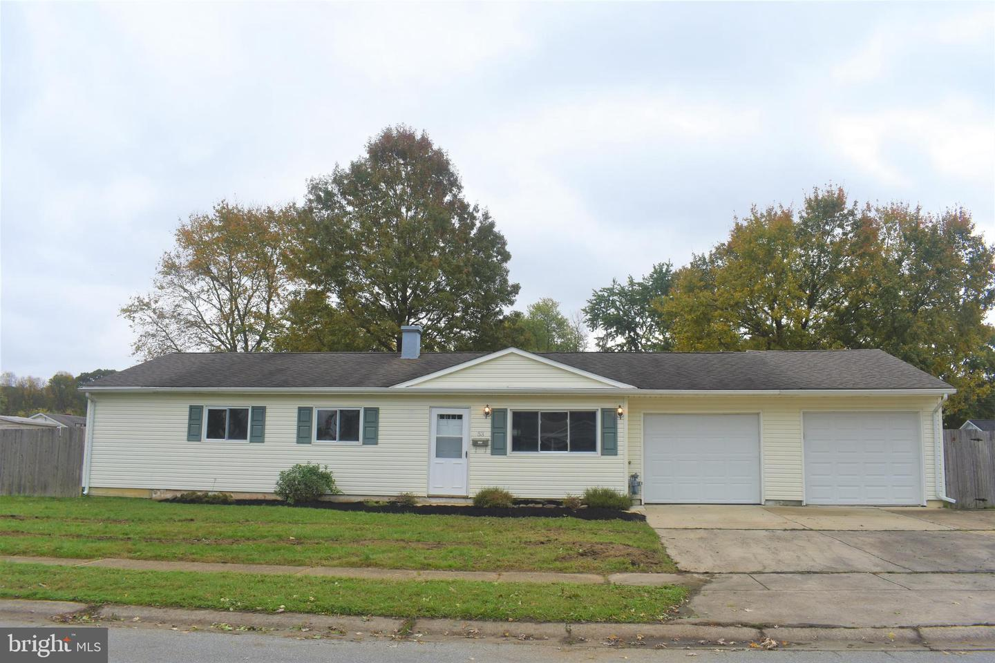 Photo of home for sale at 53 Lynch Farm Drive, Newark DE