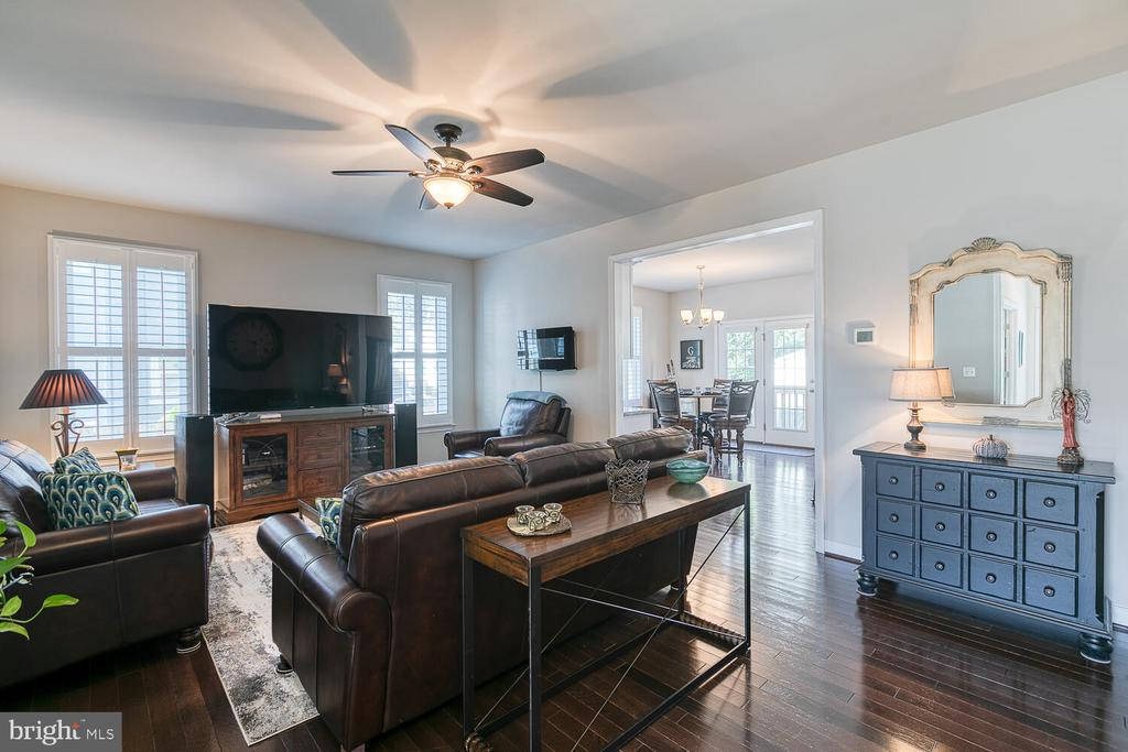 Open and Airy Family Room - 1419 HANOVER ST, FREDERICKSBURG