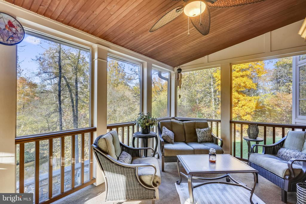Screened Porch Overlooking Creek - 4808 WHISKEY CT, IJAMSVILLE