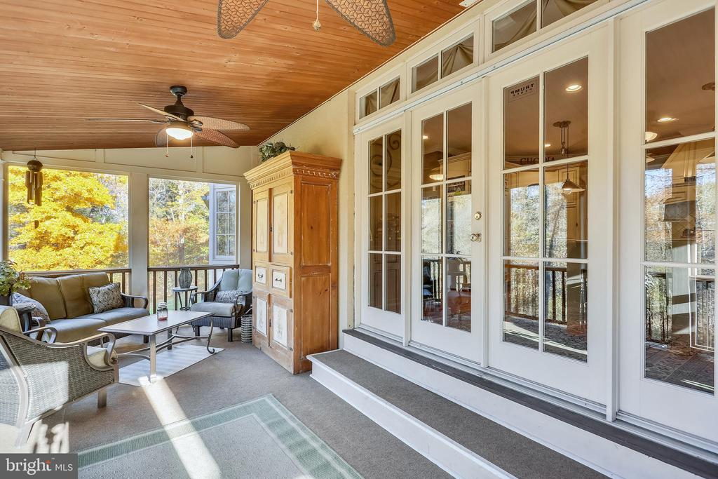Amazing Screened Porch off of Kitchen - 4808 WHISKEY CT, IJAMSVILLE