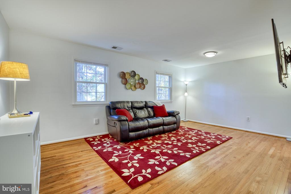 Space for a dining table as well! - 6348 DRACO ST, BURKE