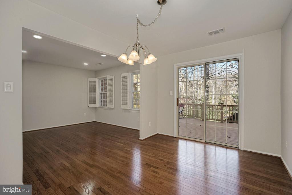 Dining Room connects to spacious deck - 5630 KIRKHAM CT, SPRINGFIELD