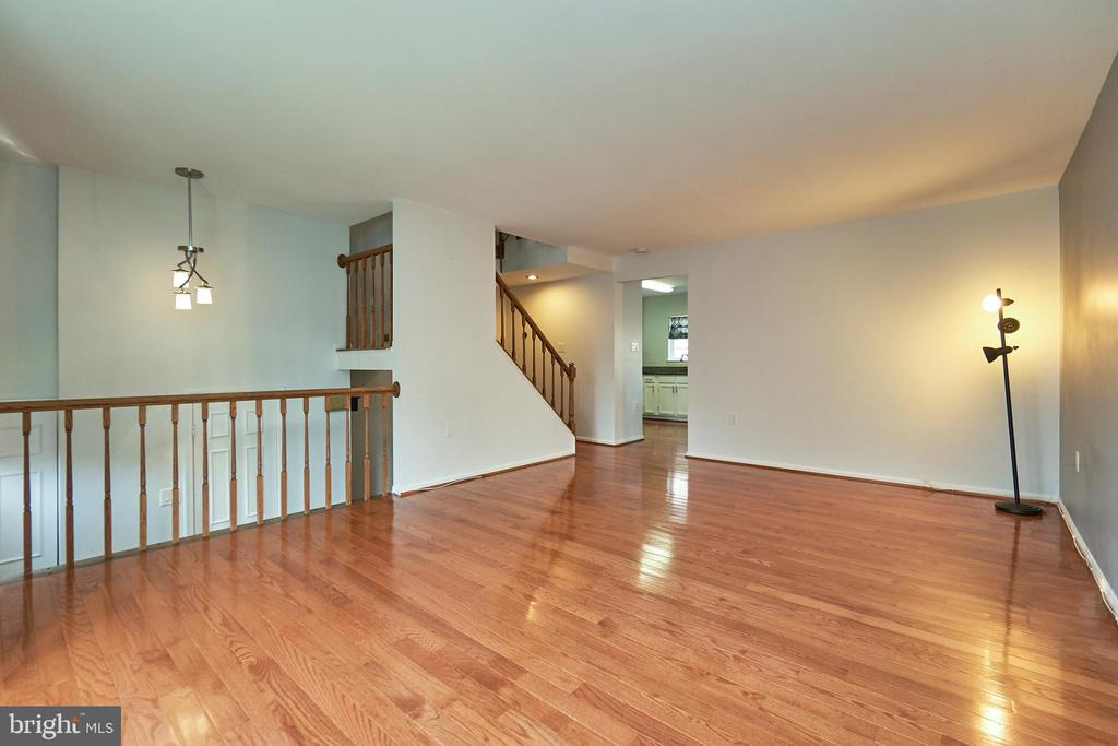 Living Room - 3305 KINFOLK CT, HERNDON