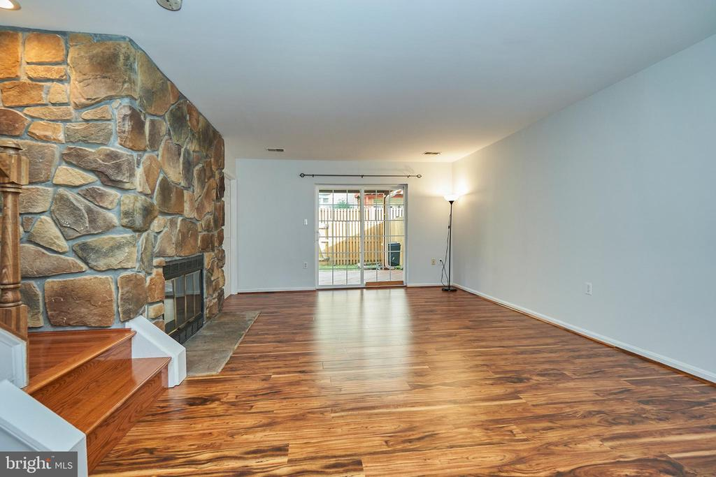 Recreation Room Access to Rear Deck - 3305 KINFOLK CT, HERNDON