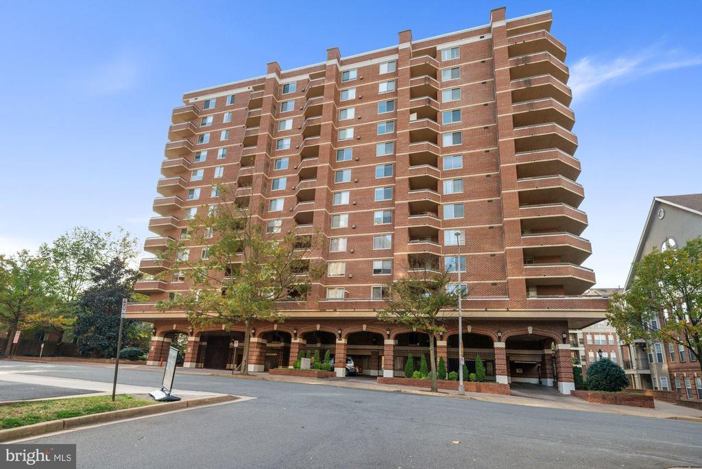 Welcome to The Williamsburg - 1276 N WAYNE ST #807, ARLINGTON