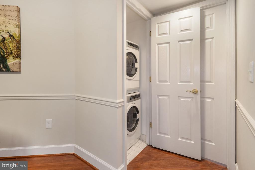 Laundry Closet - 1276 N WAYNE ST #807, ARLINGTON