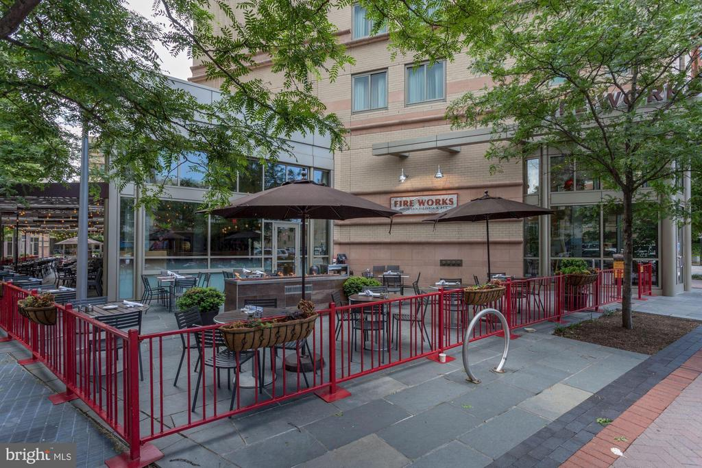 Many outdoor dining options nearby! - 1276 N WAYNE ST #807, ARLINGTON