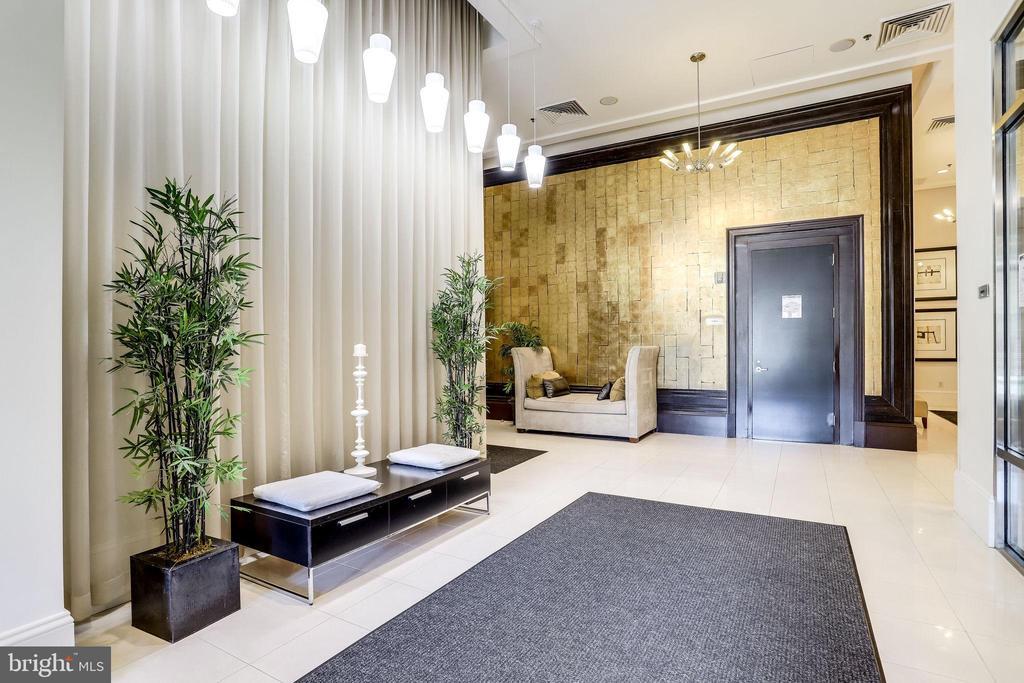 4 Lobby - 309 HOLLAND LN #115, ALEXANDRIA