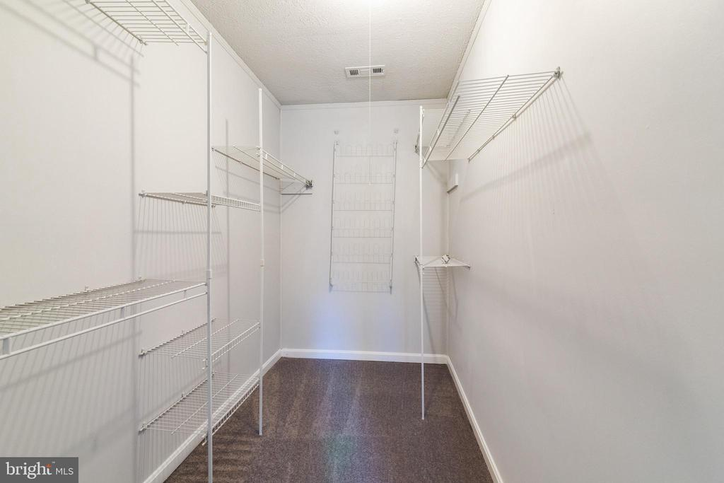 Master Bedroom Walk-In Closet - 89 CLEREMONT DR, FREDERICKSBURG