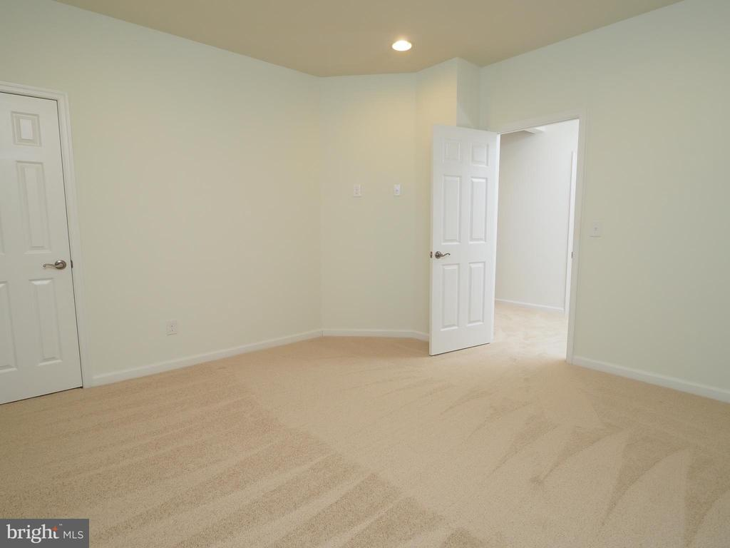 Office, home school, craft or exercise room - 14973 SPRIGGS TREE LN, WOODBRIDGE