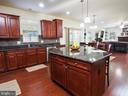 Abundant counter space and cabinets - 14973 SPRIGGS TREE LN, WOODBRIDGE
