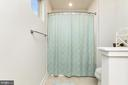 Upstairs Full Bathroom with natural light - 18228 RED MULBERRY RD, DUMFRIES