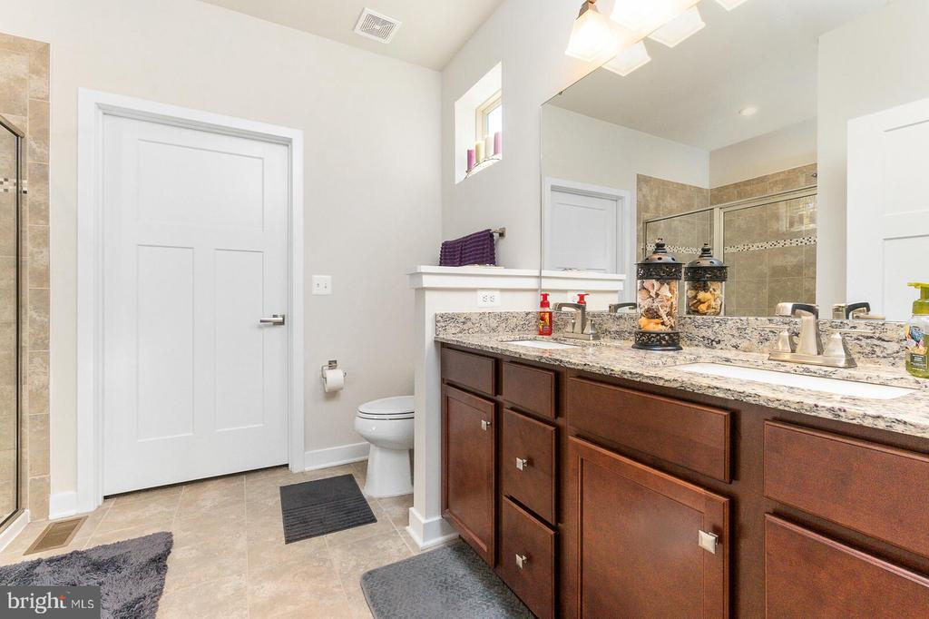 Master Bathroom with Huge Shower to share! - 18228 RED MULBERRY RD, DUMFRIES