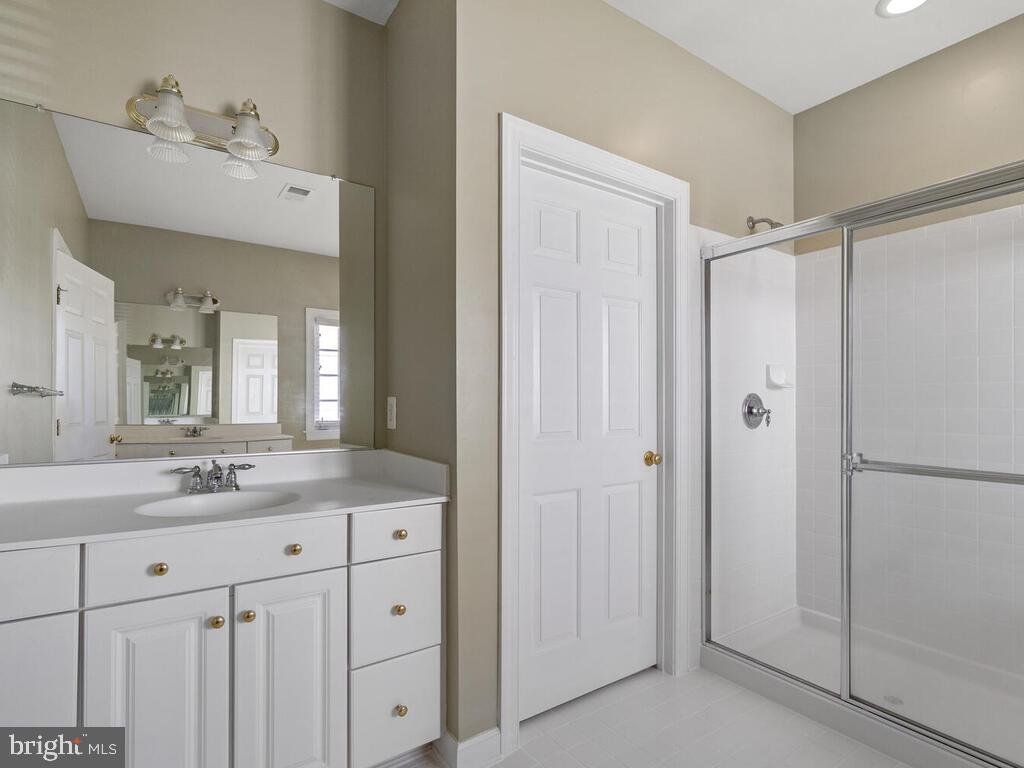 Primary Bathroom Suite , Upper Level - 14136 SNICKERSVILLE DR, GAINESVILLE