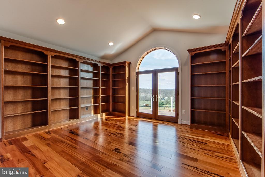 Would you like a library? - 38520-LOT 28 IRISH CORNER, LOVETTSVILLE