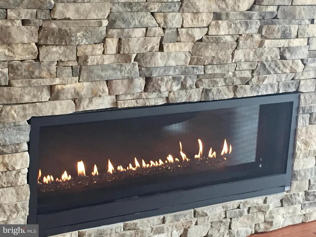 Modern or classic fireplaces? - 38520-LOT 28 IRISH CORNER, LOVETTSVILLE