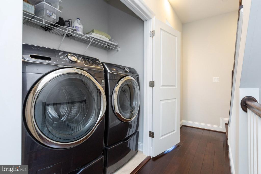 Full size washer & dryer - 821 N WAKEFIELD ST, ARLINGTON