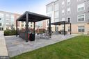 Courtyard Covered Kitchen/Patio w/ Gas Grills - 6101 FAIRVIEW FARM DR #109, ALEXANDRIA