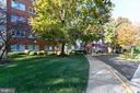 Park like natural setting! Beautiful landscaping! - 200 N MAPLE AVE #607, FALLS CHURCH