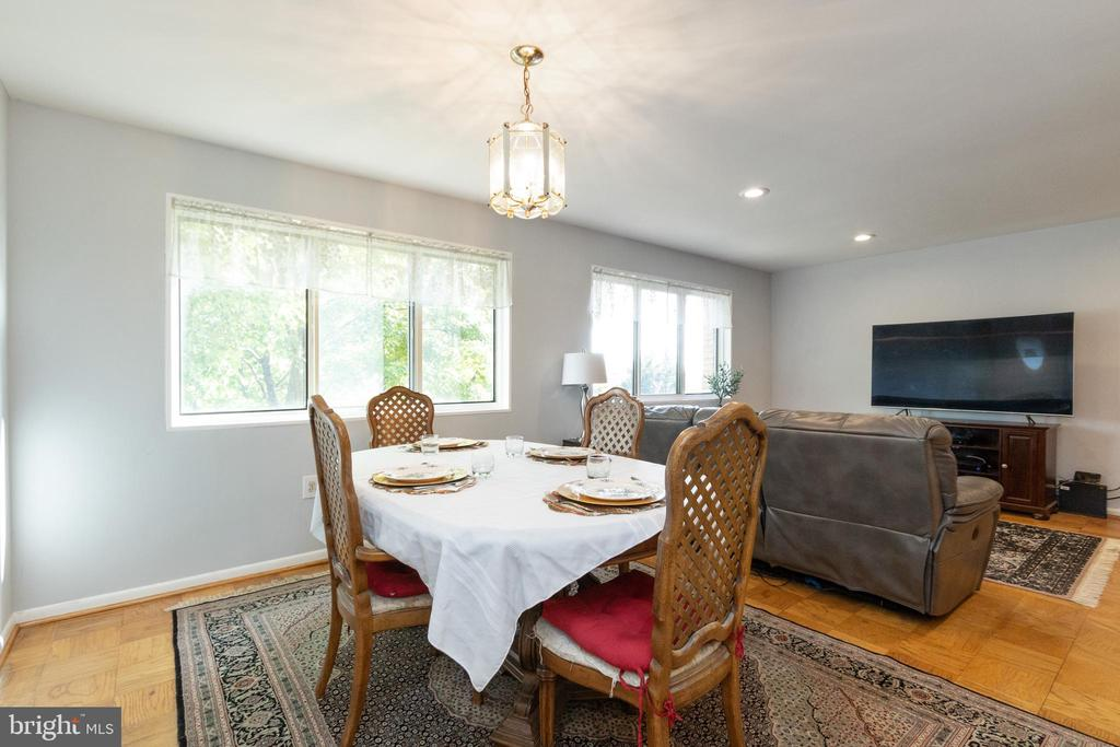 Enjoy the sunrise with your morning coffee - 200 N MAPLE AVE #607, FALLS CHURCH