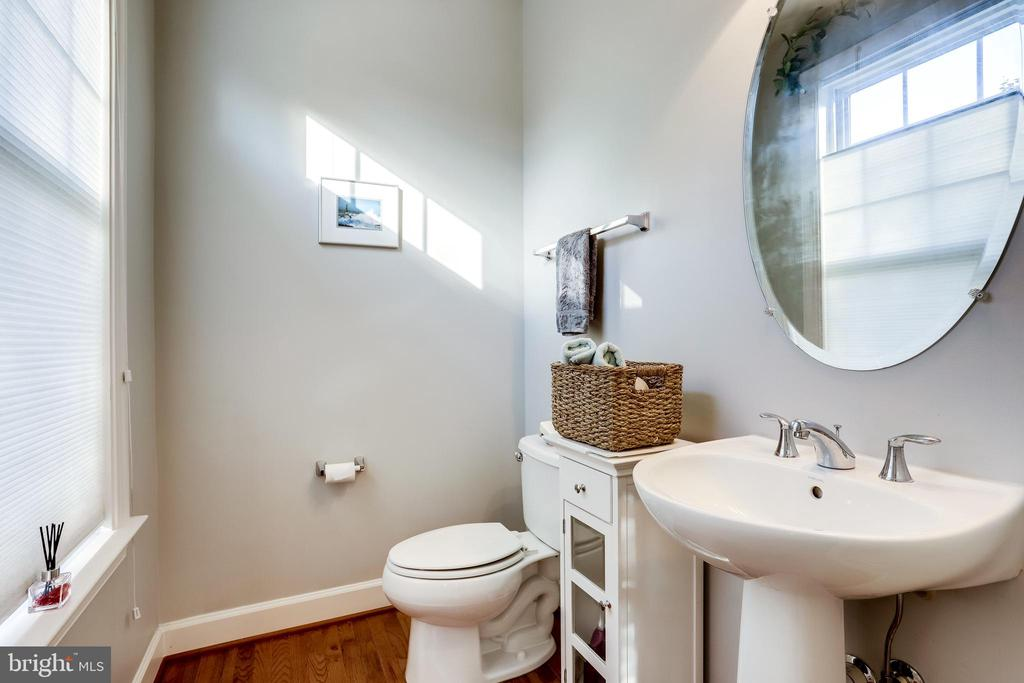 Powder Room on Main Level - 100 PEARL ST, HERNDON