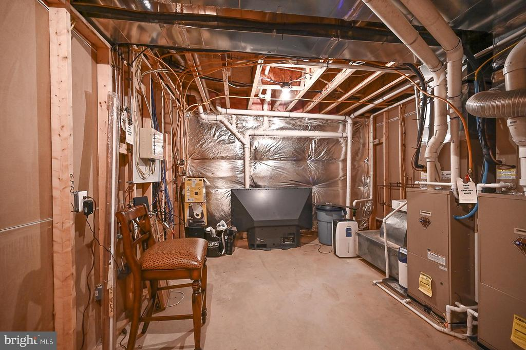 - 2956 BONDS RIDGE CT, OAKTON