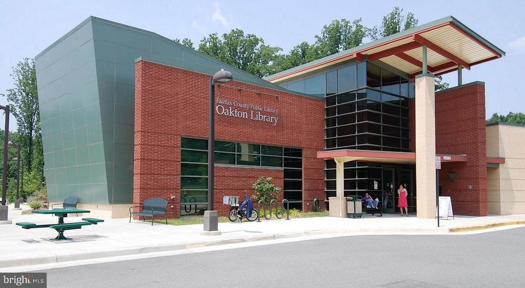 Oakton Library nearby - 2828 JERMANTOWN RD #51, OAKTON