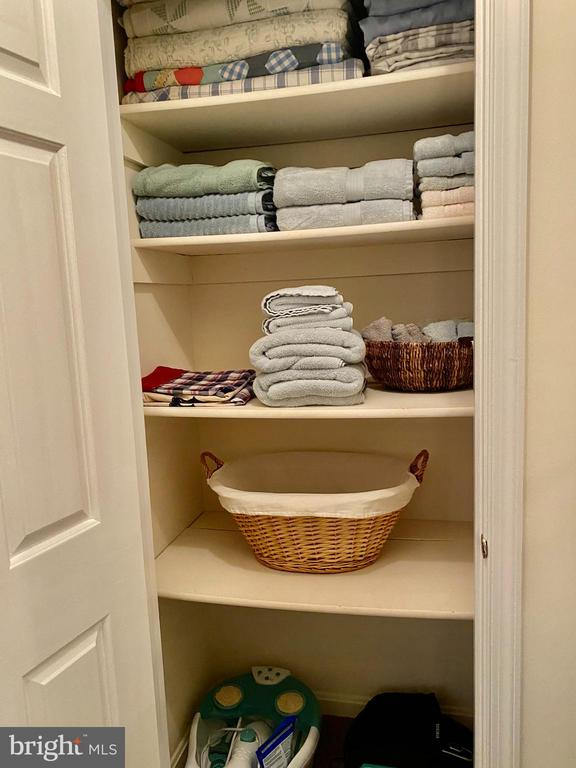 Linen closet w/Built In Wood Shelves - 11798 TARGET CT, WOODBRIDGE