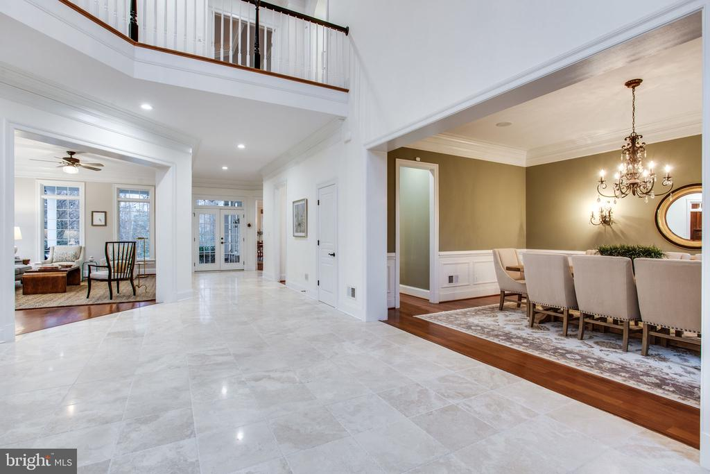 Marble foyer extends to rear patio - 10464 SPRINGVALE MEADOW LN, GREAT FALLS