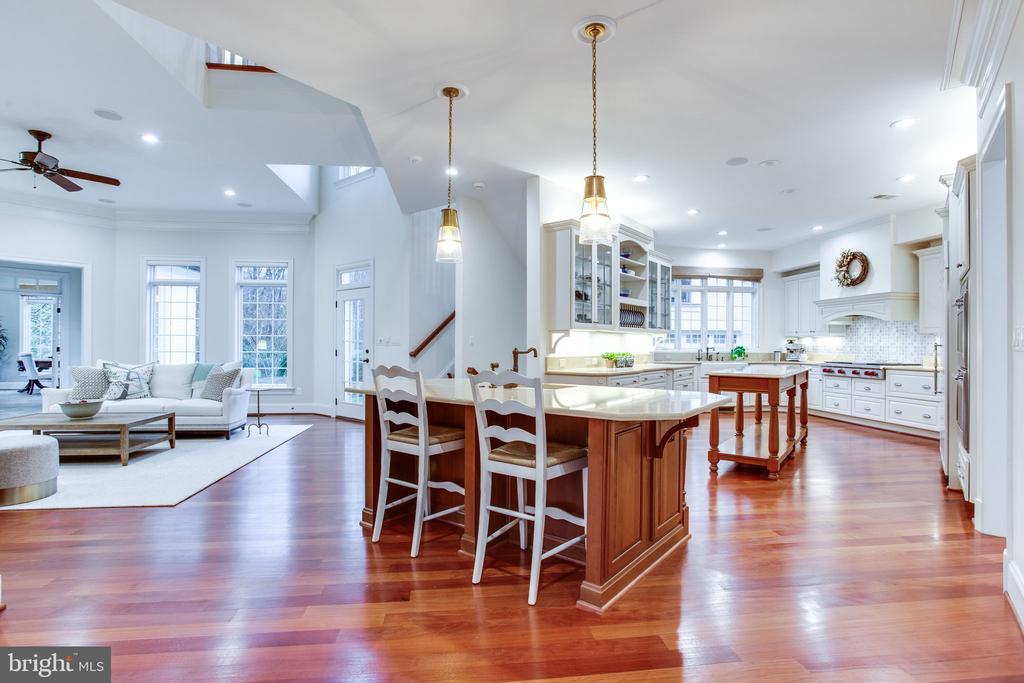 Expansive Kitchen w/ 2 islands - 10464 SPRINGVALE MEADOW LN, GREAT FALLS