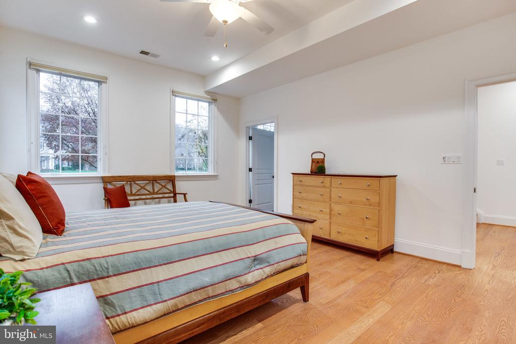 1 of 2 bedroom suites in Guest House - 10464 SPRINGVALE MEADOW LN, GREAT FALLS