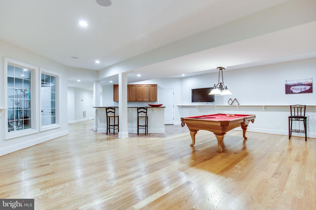 Expansive space - 10464 SPRINGVALE MEADOW LN, GREAT FALLS