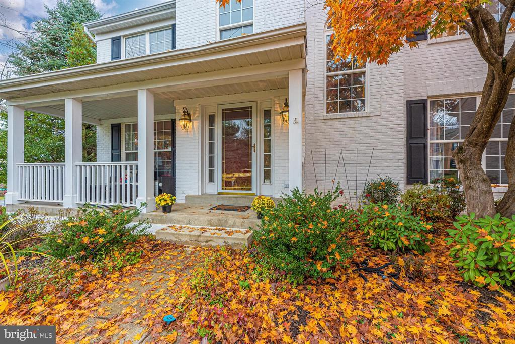 Prepare to fall in love with this stunning home! - 6287 IVERSON TER S, FREDERICK