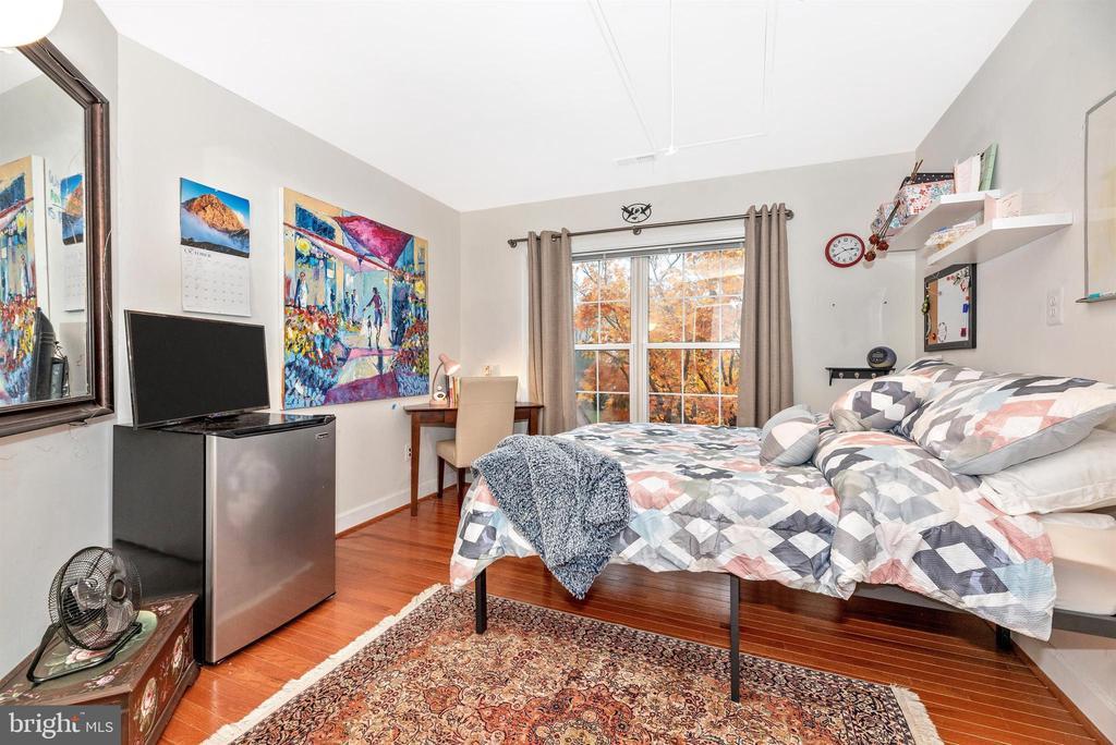 Second upper level bedroom. - 6287 IVERSON TER S, FREDERICK