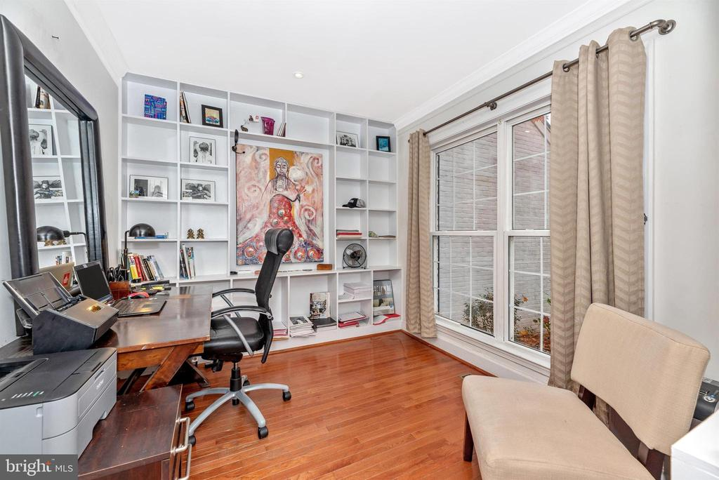 Main level private home office. - 6287 IVERSON TER S, FREDERICK