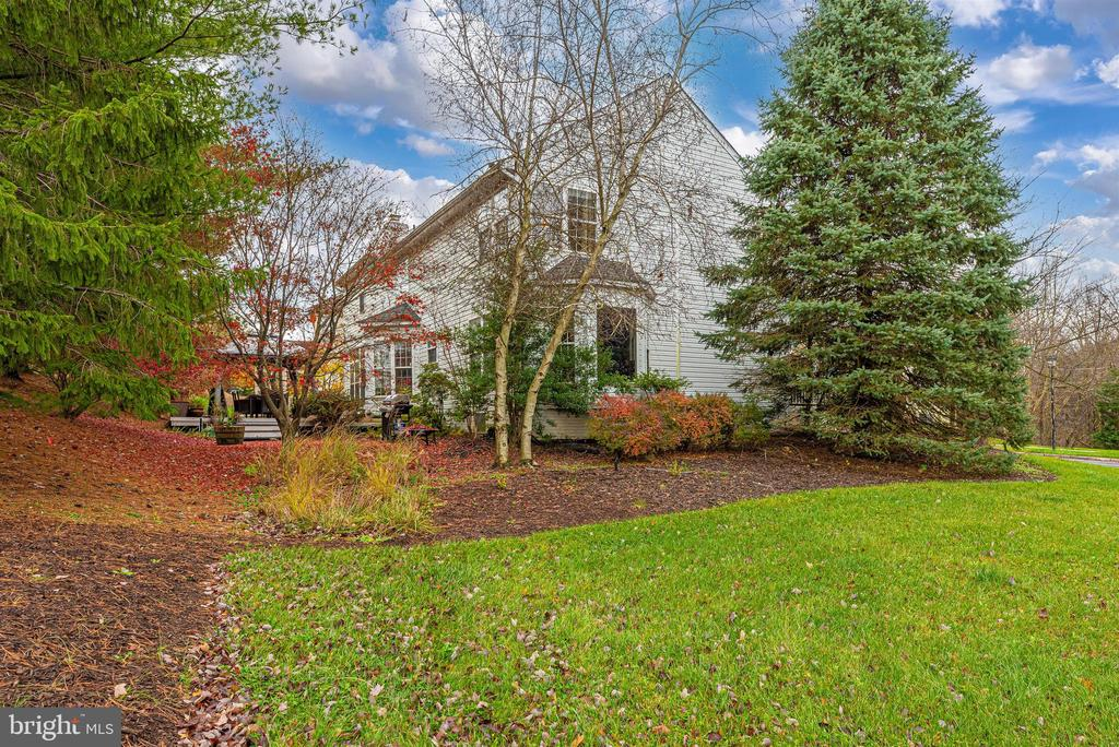 Beautifully maintained all-around. - 6287 IVERSON TER S, FREDERICK