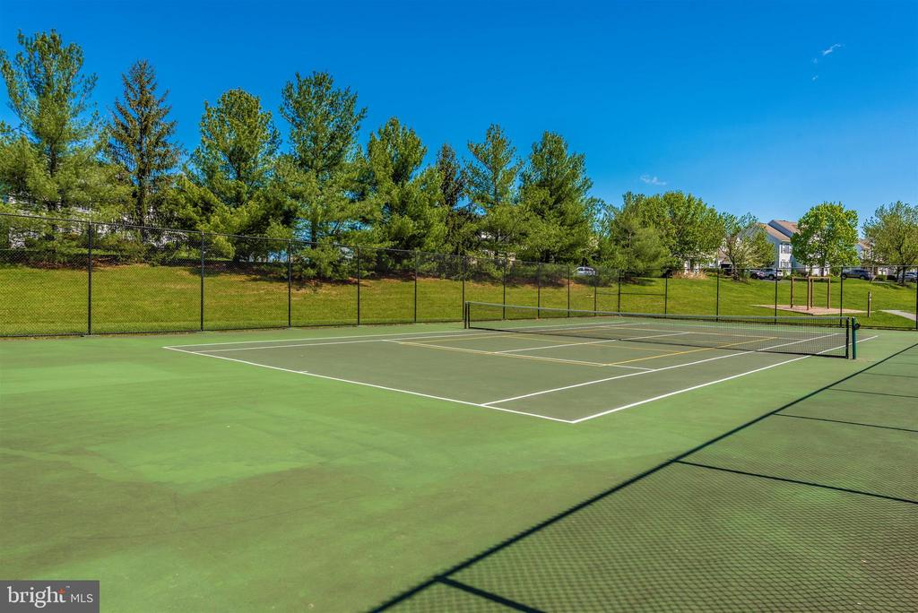 Spring Ridge Community Tennis Courts - 6287 IVERSON TER S, FREDERICK