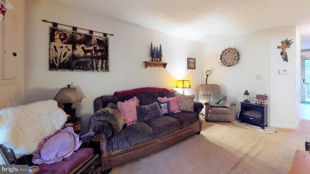 Living room - 107 W O ST, PURCELLVILLE